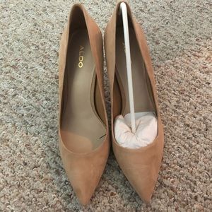 BNIB Aldo suede pumps/leather upper and sole sz 9